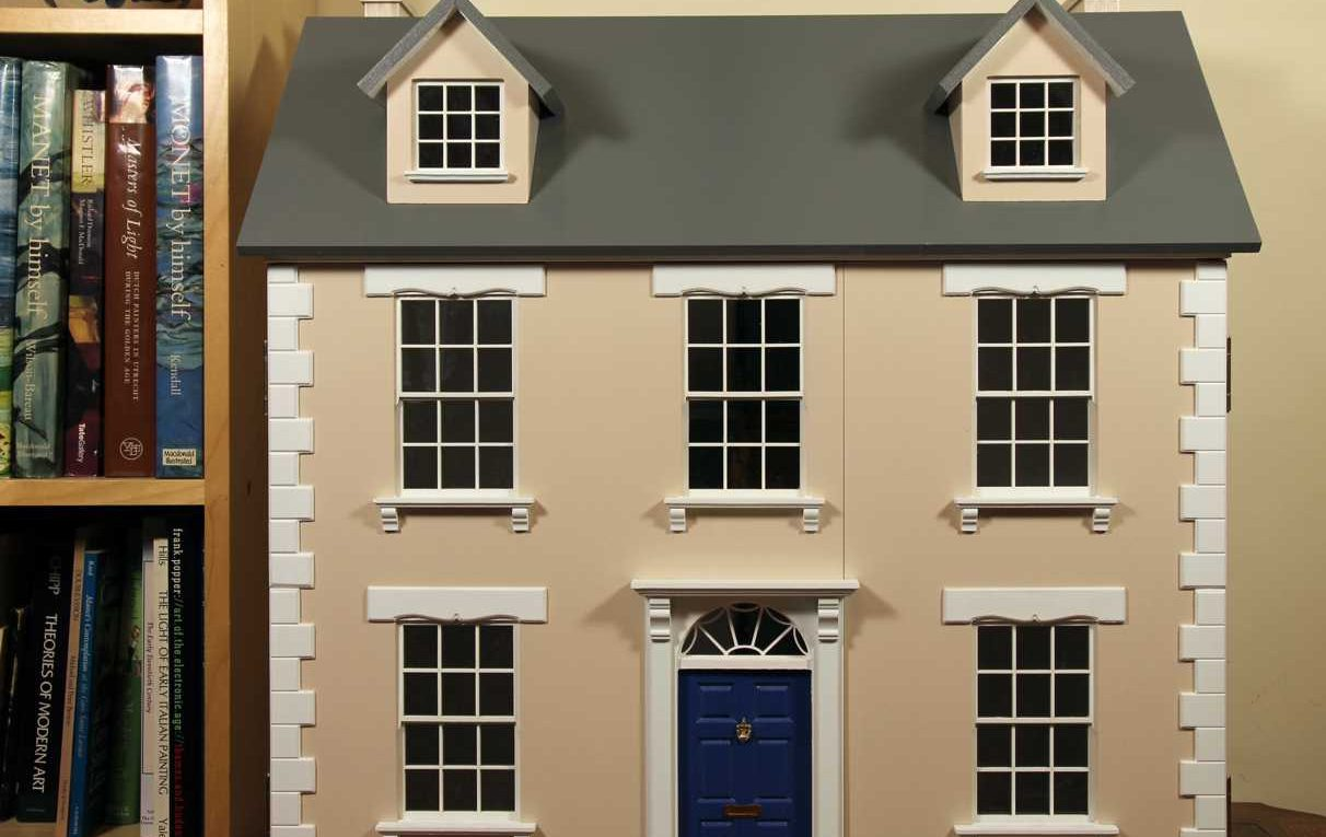New & Previously Owned Dolls Houses For Sale